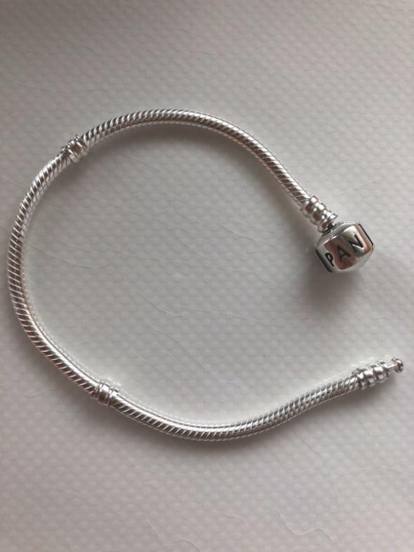 Bransoletki nowa bransoletka Pandora moments 18 cm żmijka okazja