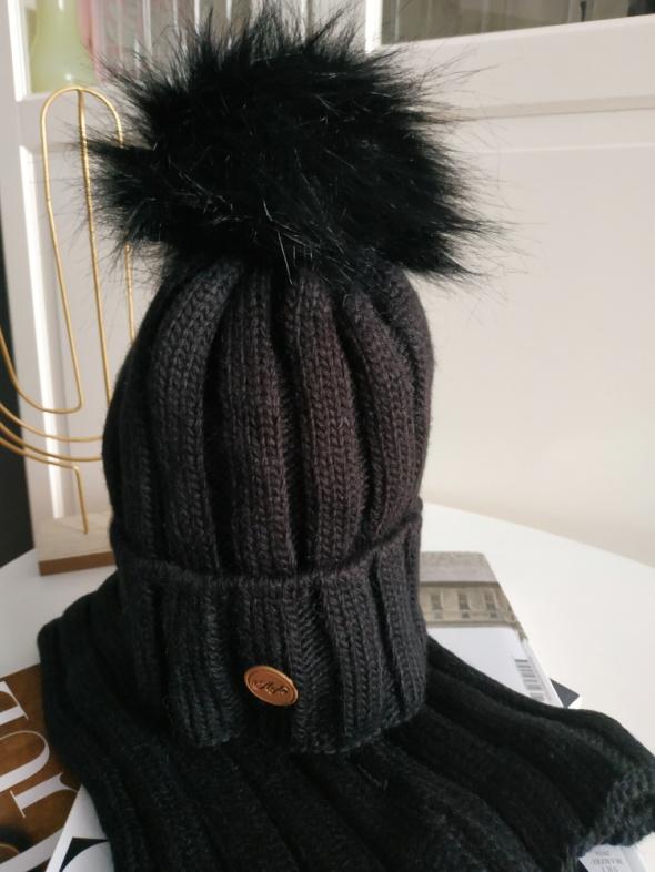 NOWY czarny komplet czapka i komin