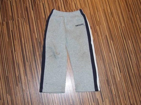 szare spodnie dresowe rozmiar 92
