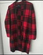 długi sweter w kratę