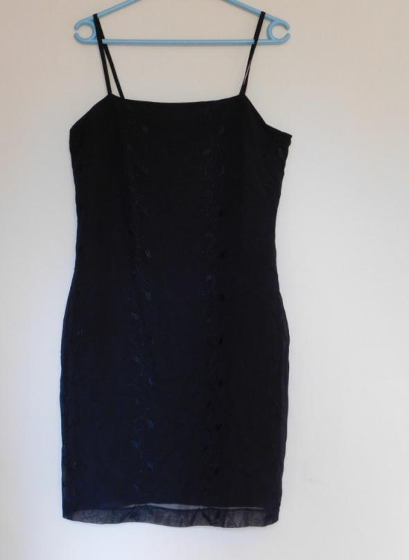 Richards czarna sukienka 42