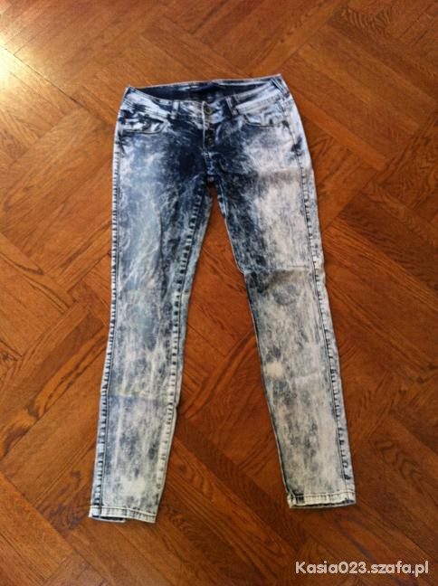 Bershka jeansy acid wash