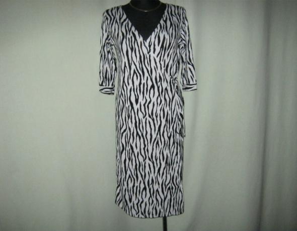 sukienka kopertowa Evie 18