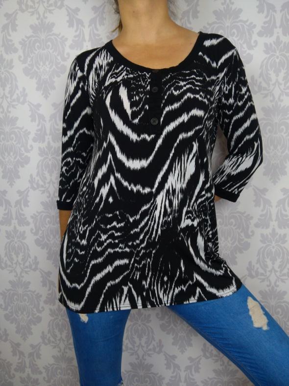 Biało czarna długa bluzka we wzory