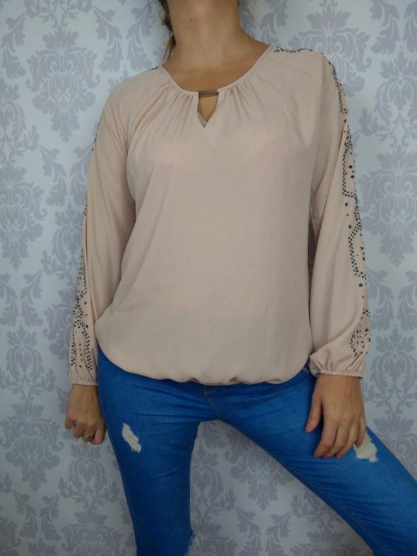 Delikatna elegancka bluzka beżowa z dżetami na rękawach Star