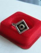 Pierścionek ze srebra prosty kształt