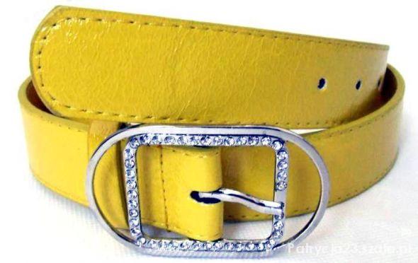 Żółty skórkowy pasek z klamrą w cyrkoniach