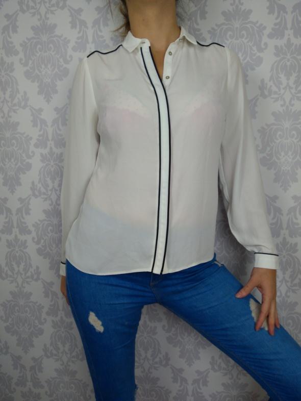 Biała elegancka koszula z lampasem