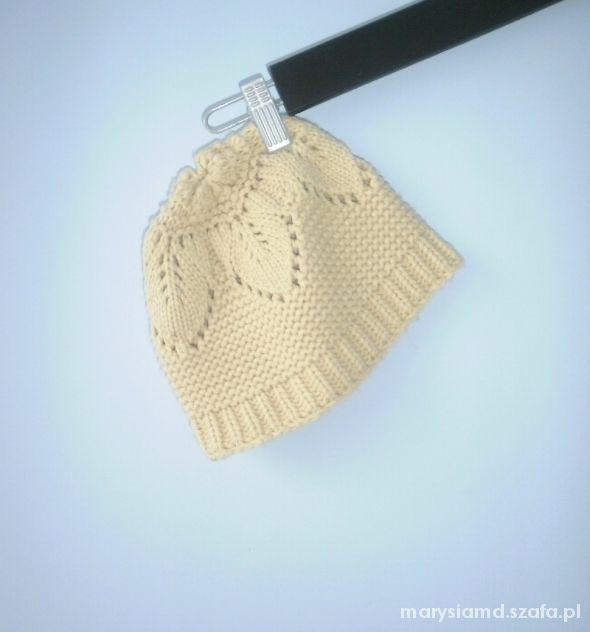 Carry Beżowa zdobiona czapka zimowa