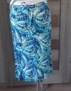 błękitna spódnica...