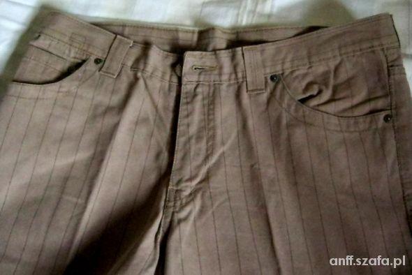 Beżowe w prążki spodnie męskie XL