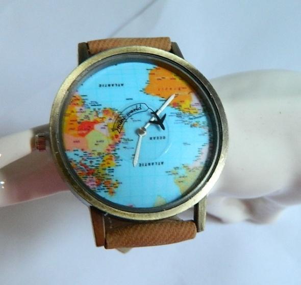 Zegarek podróżnika tarcza z mapą świata