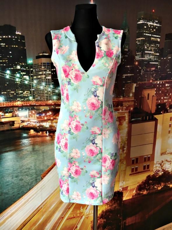 figa sukienka ołówkowa kwiaty pastelowa hit blog 38 M