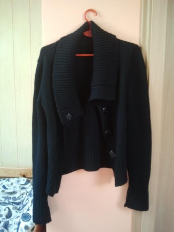 Czarny sweter M