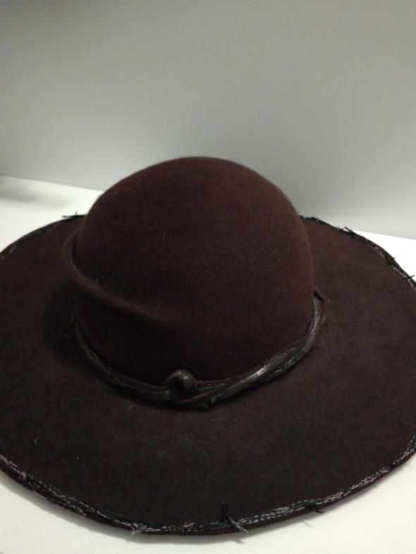Elegancki kapelusz