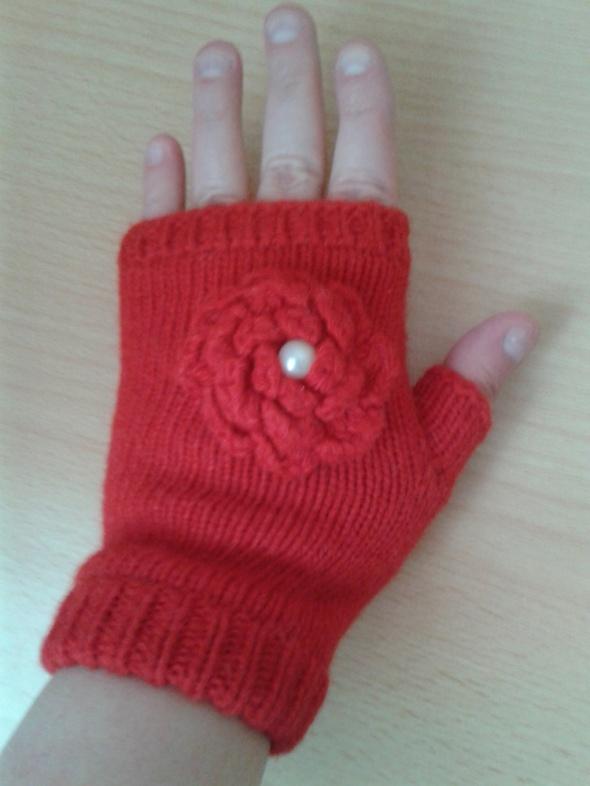 Czerwone rękawiczki bez palców mitenki kwiatek grube nowe