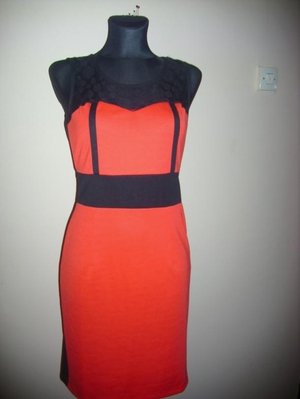 śliczna czerwona sukienka M na L MISS CLASIC...