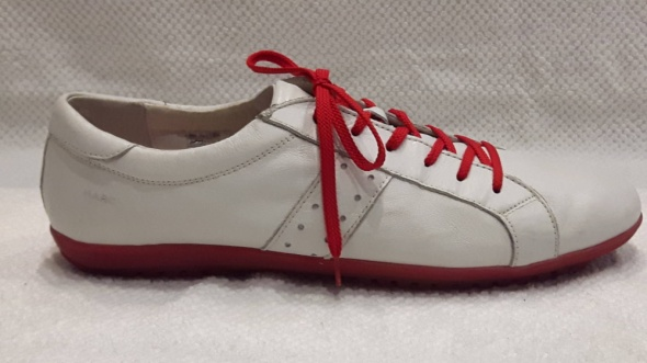 Marc Białe skórzane damskie sneakersy 41...
