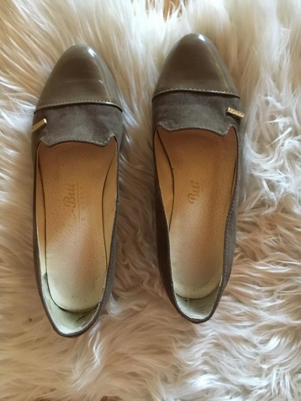 pantofle lakierowane...