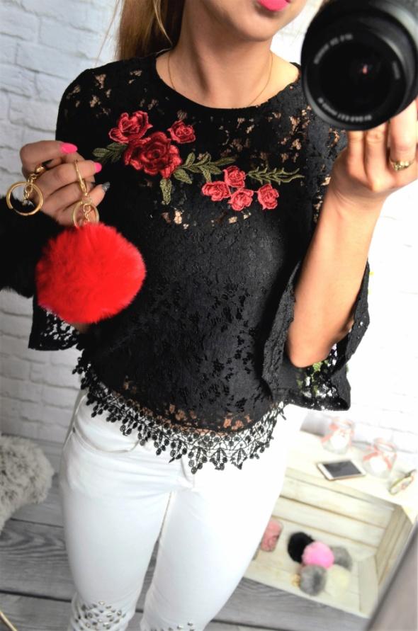 czarna koronkowa bluzka haftowany kwiat