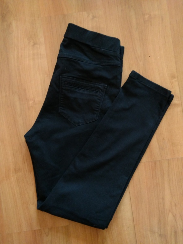 Czarne spodnie na gumce jegginsy wysoki stan TU