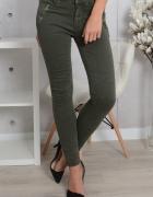 Spodnie jeansy rurki jeans khaki zip...