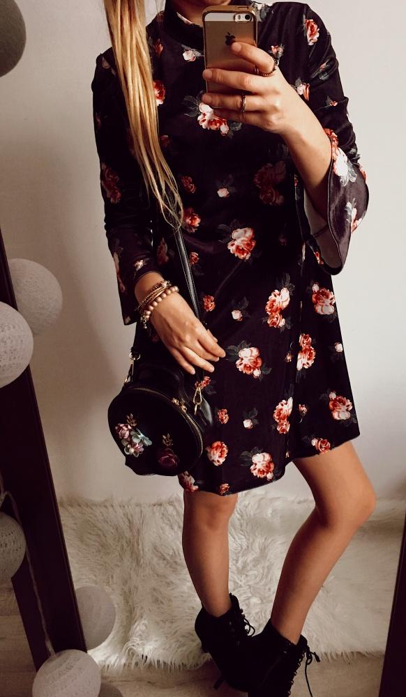 Sukienka Damska w kwiaty welurowa M