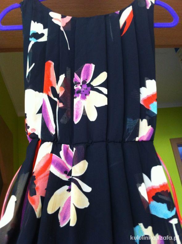 Kwiatowa sukienka Floral Atmosphere
