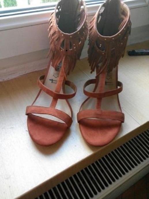 Sandały z skóry zamszowej Tamaris 40