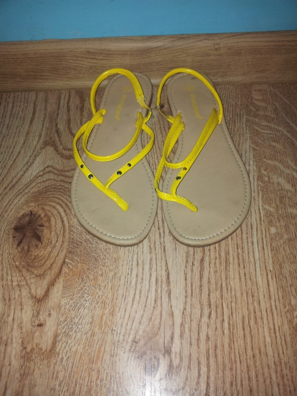 Żółte sandały Atmosphere 36