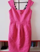 koktajlowa różowa sukienka River Island wzory