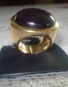 Piękny duży złoty pierścionek z fioletowym oczki...