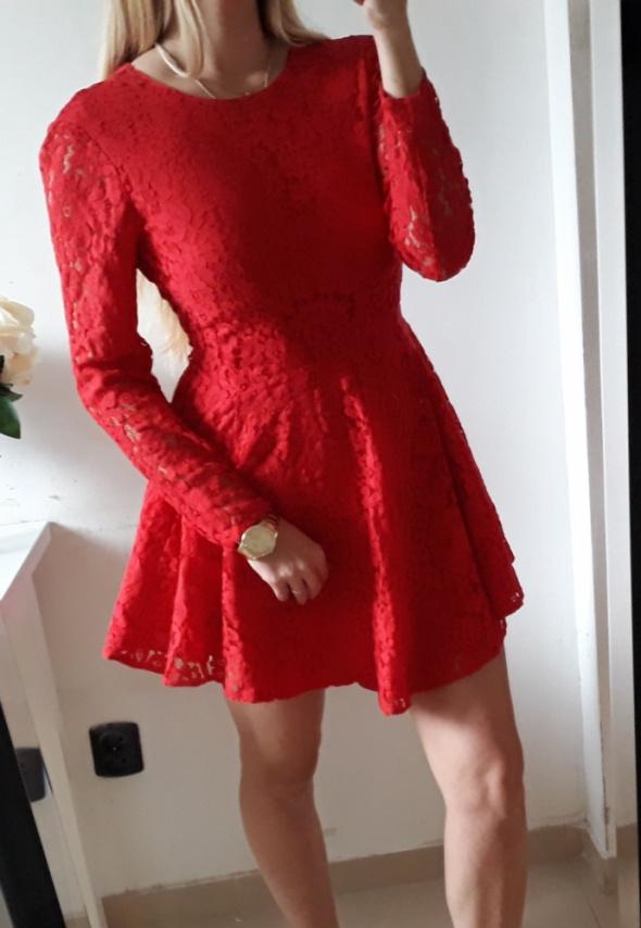 H&M Sukienka koronkowa czerwona rozkloszowana elegancka S