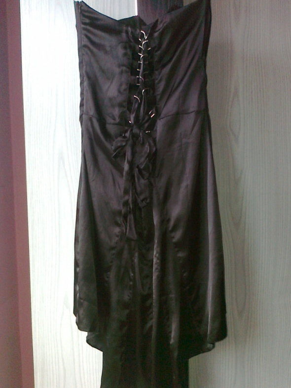 sukienka czarna atłasowa...