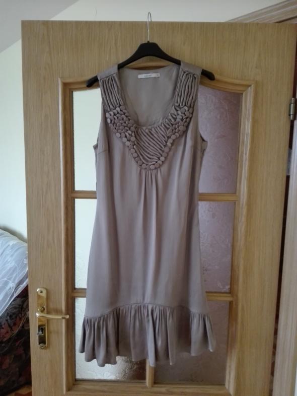 Suknie i sukienki Zjawiskowa sukienka w kolorze beżu o luźnym kroju jak lata 20 Rozmiar 34