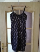 Czarna koronkowa sukienka na beżowym podbicu Rozmiar 34