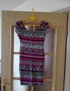 Dzianinowa różowa sukienka we wzory Rozmiar 34