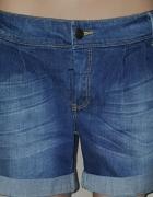Markowe jeansowe krotkie spodenki