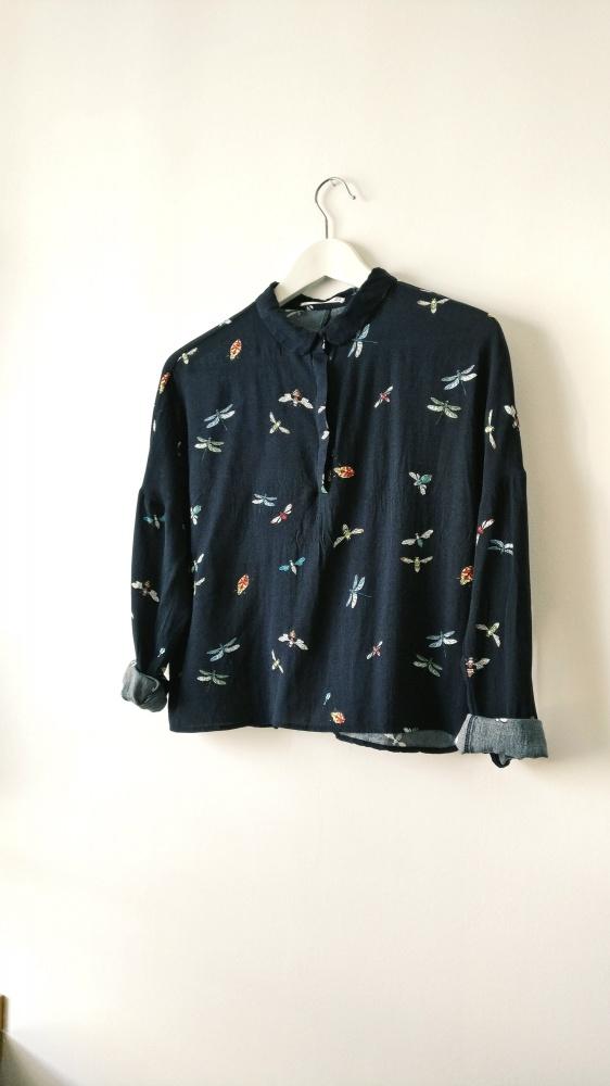 Koszula oversize w owady Mango M S...
