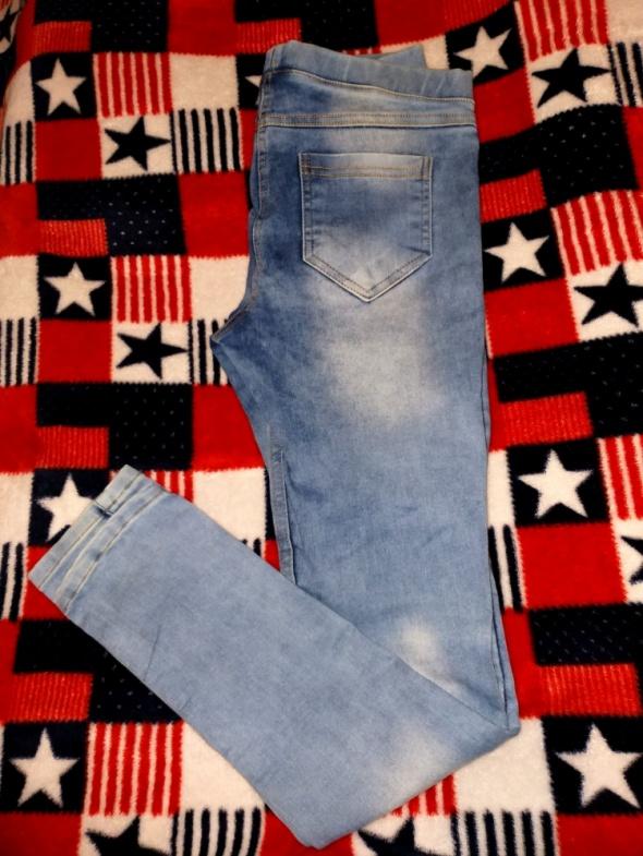 Jeansy typu rurki cieniowane