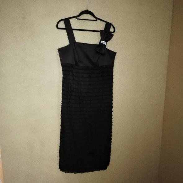 e31be793c6 Suknie i sukienki Czarna elegancka prosta sukienka maxi z falbankami 44 46