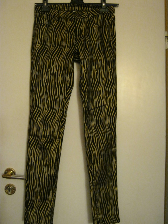 Złote spodnie...