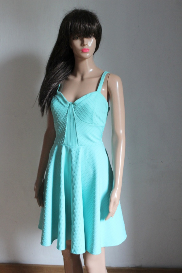Rozkloszowana elegancka sukienka r 42...