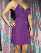 fioletowa sukienka z cyrkoniamii