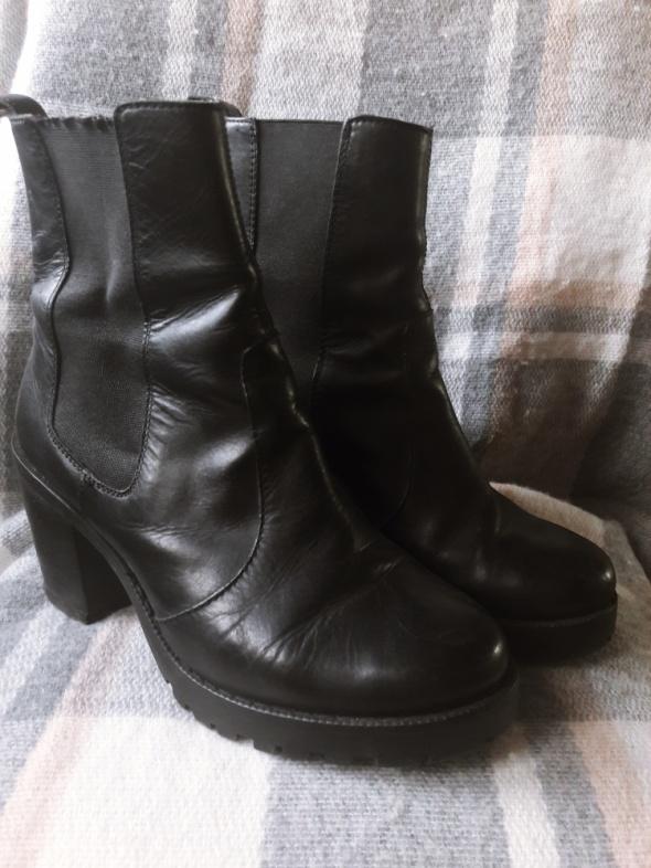 Skórzane botki na obcasie H&M 38 czarne
