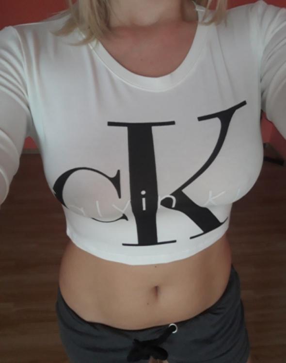 Top crop Calvin Klein...