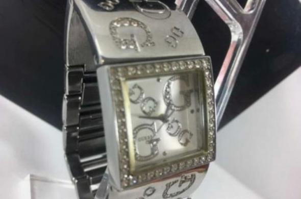 Zegarek srebrny guess...