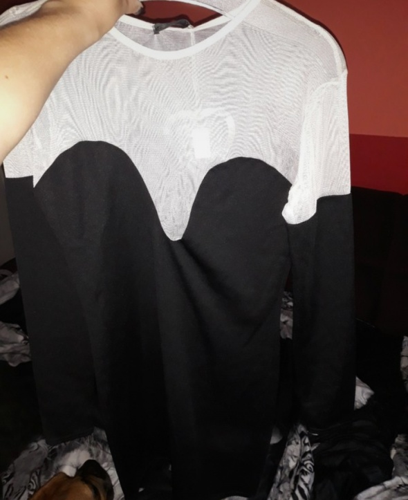 Sukienka czarna z biala siateczką...