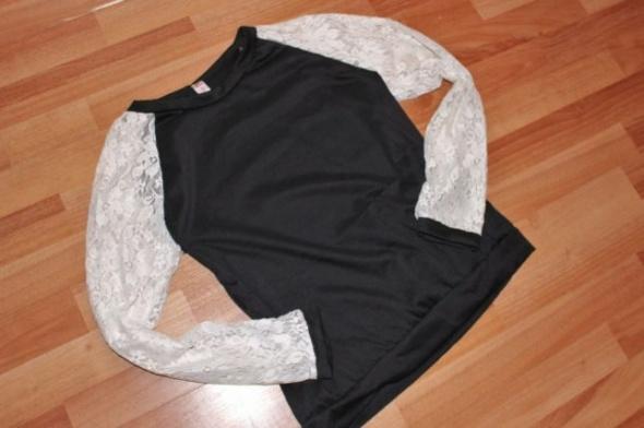 Damska czarna bluza z koronkowymi rękawami M L