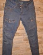 Spodnie jeansowe BERSHKA 36...